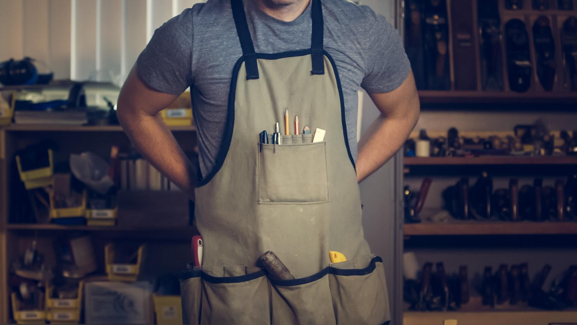 top 5 heavy-duty work aprons for men and women - toolever
